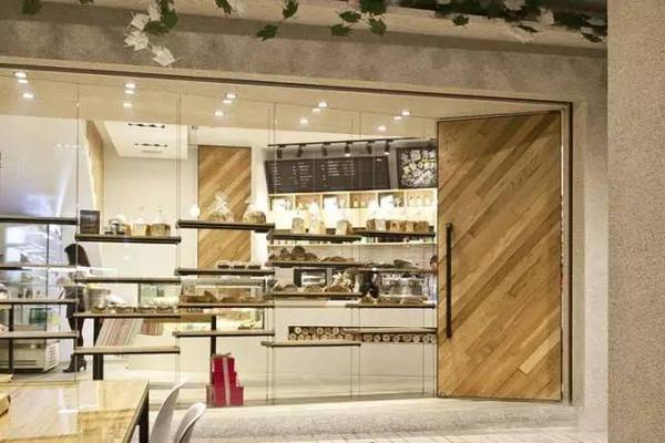 而今,在社会快节奏发展之下,面包店文化逐渐风行,而设计师通过设计,赋