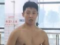 《了不起的挑战片花》小撒自画八块腹肌秀身材 遭孙杨调戏进水现原形
