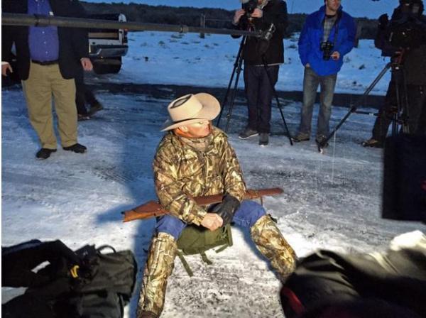 被击毙的亚利桑纳州农场主拉弗伊·菲尼科,曾表示