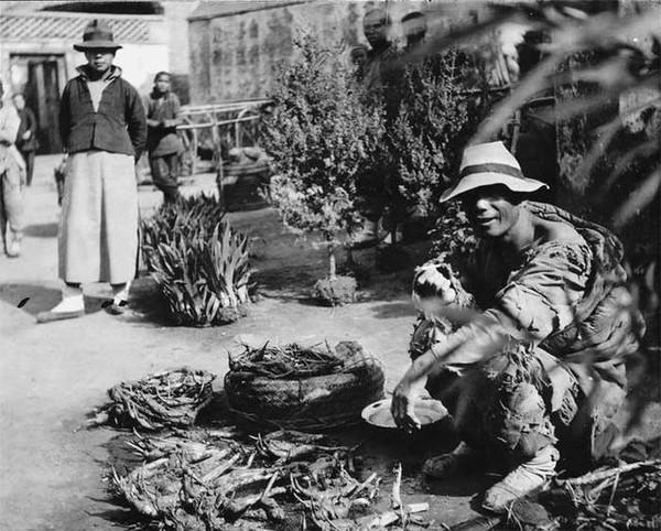 民国初年的老照片(九):1915年上海虹口市场买