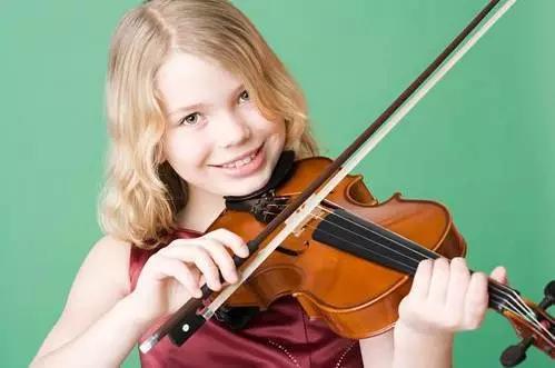只要妈妈露笑脸小提琴五线谱