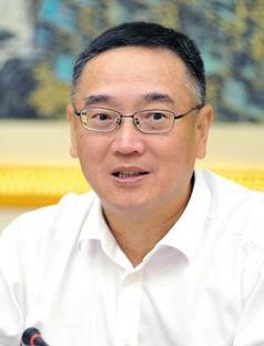 国家税务总局原党组成员、总经济师范坚,降为副处级非领导职务。