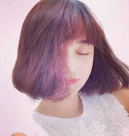 白羊座:齐刘海短发图片
