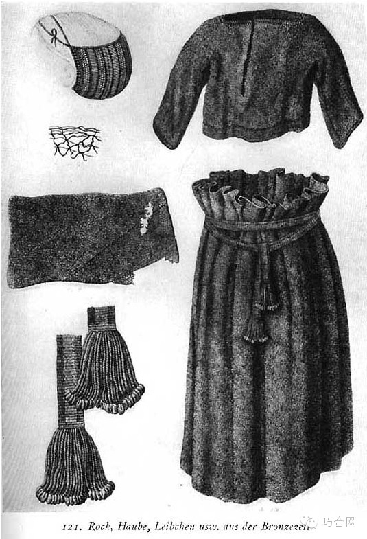 萨古姆斗篷:这种斗篷是方形或三角形的毛织物,穿时把织物披在肩上,在