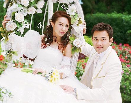林文龙和郭可盈。林文龙为TVB旗下艺员,其妻为香港女演员郭可盈,家境极为富裕,郭父是香港有名的塑胶业商人。