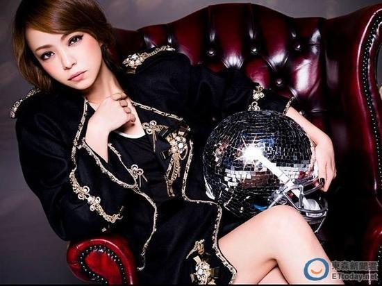 安室奈美惠出道20多年,拥有大批粉丝