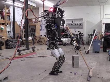 【组图】你们的机器人弱爆了,谷歌机器人会做家务能摆