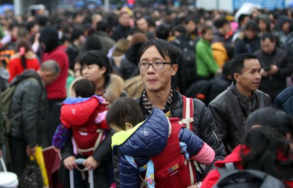 广州火车站24趟列车晚点1小时以上 影响近5万