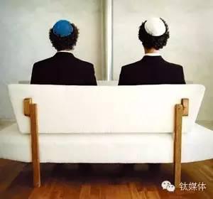 头戴民族传统基帕(Kipa)的青年犹太人,图片来自知乎。有理论指出,Ashkenazi