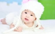 宝宝眼睛肿是怎么回事呢?