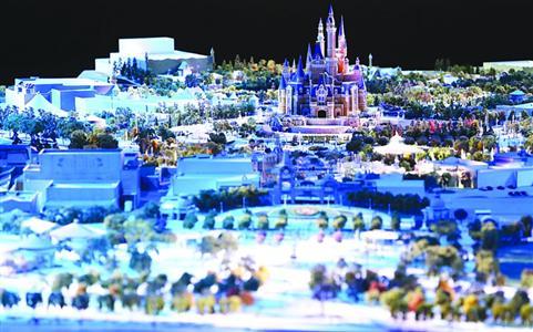 上海迪士尼將通過指定日門票來控制每天入園遊客數量/晨報記者 殷立勤