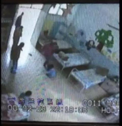 流浪儿童救助站遭殴打 涉事人员已被开除