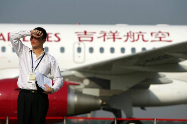吉祥航空的代表对于原告要求的公开道歉表示有些为难,称会与上级沟通。 高剑平 澎湃资料