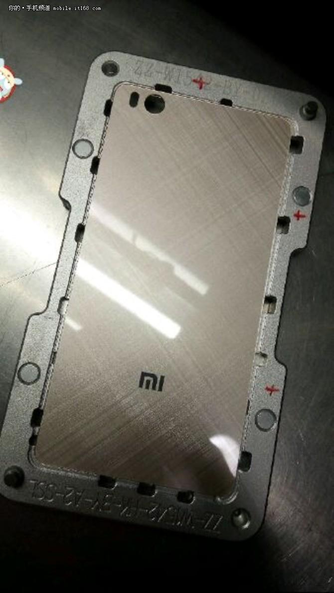 疑似玻璃材质 小米5后盖谍照曝光