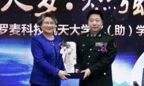 罗麦董事长_汪静董事长视察罗麦集团上海蓝黛日用品有限公司