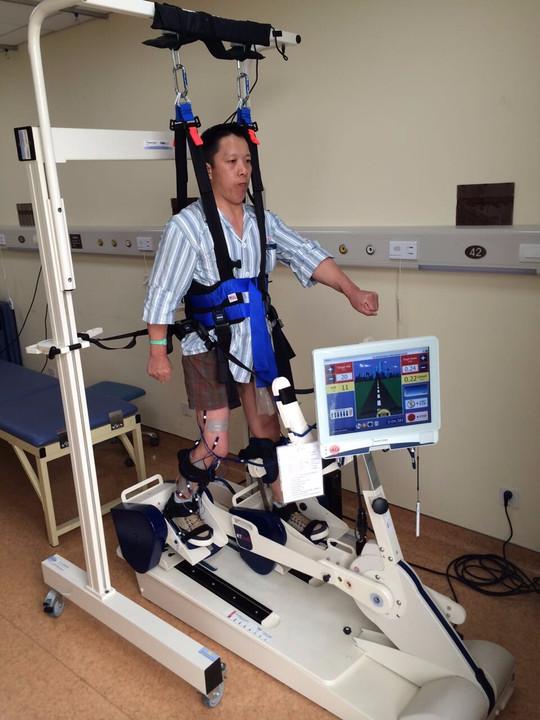 康复机器人帮助患者进行术后康复-为你揭秘脊柱手术治疗与康复训练