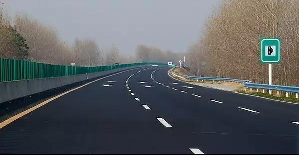 高速公路开车的十大注意事项!