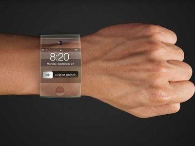 究其缘由,大致分为两个。一是其他智能穿戴设备无法满足用户的需求,比如智能手环太多余,可有可无,而智能眼镜又太过麻烦,人们不可能时刻佩戴;二是因为手表作为人们几百年来已经习惯的佩戴物品,戴在手腕上,完全不会影响人们的行动和其他行为,在满足人们刚需的同时,更是身份、地位和品位的象征,因此更容易被消费者认可。