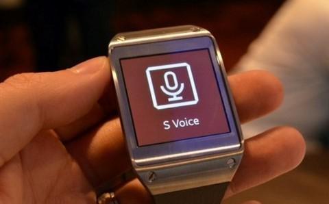 随着智能穿戴设备的不断更新和改进,已经在外观和功能上不断强化。但时至今日,智能穿戴产品依然无法和智能设备完全脱离。当你使用智能手表时,就必须连接手机或其他智能设备,才能够让其发挥该有的作用。一旦手机没电,智能手表就如同鸡肋,食之无味弃之可惜。