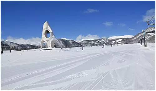 幼幼人兽交_滑雪幼幼班的栂池高原滑雪场