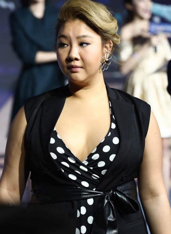 28岁的郑欣宜从死肥婆成贵圈最灵活性感的胖妞