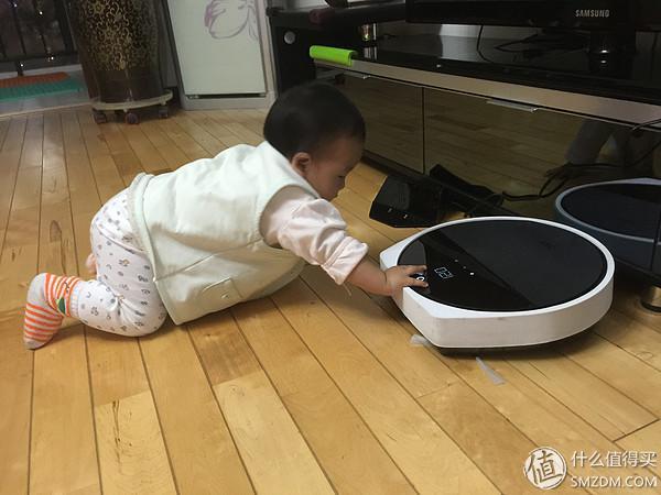 一只蠢萌扫地机器人的自白:你好,我是智小兔!