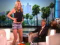 《艾伦秀第13季片花》第S13E96期 海蒂·克鲁姆露四角裤 10小时特效化妆成蛇精女
