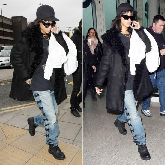 时尚功力深厚的Rihanna也经常穿着剪羊毛外套出通告、赶飞机,内搭往往是休闲的T恤或卫衣,其实御寒就是这么简单。