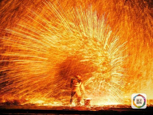 中国人传统的春节已经成为世界性节日,自然也吸引了世界媒体的目光。