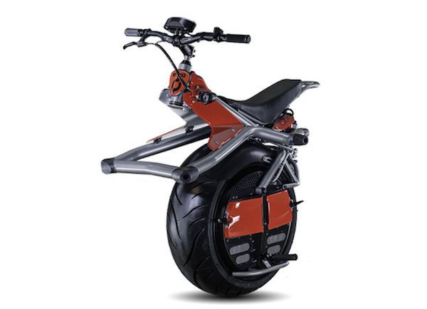 赛格威(Segway)在十年多前问世时,被视为跨时代的创新设计,打破的传统的交通工具分类,既不像一般的电动滑板车,也不像完全是单轮的设计,在当时造成一股的讨论热潮<b