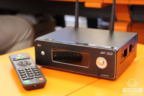 那么这款加入了硬盘播放功能的旗舰4K蓝光播放器开博尔Q9次世代的体验如何?接下来大家就跟着沙发网小编的评测一起来了解一下。