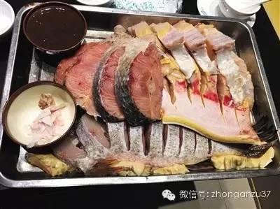 陈先生一行游客点的鱼块