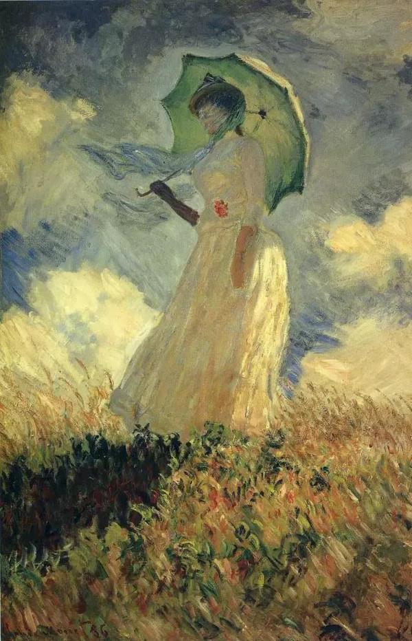 """《撑阳伞的女子》是莫奈画于1886 年悼念亡妻卡美伊的作品。人物形象很模糊,连五官和表情都看不见,但随着笔触堆叠的方向,可以感受到草原上吹拂的微风和女子丝巾上跃动的阳光。卡美伊因病死于1879 年,时年37 岁,莫奈在同年画下了《临终的卡美伊》,画中以忧郁的色调、纷乱的笔法,传达出失去爱妻的悲伤。但我总觉得,莫奈爱画胜过爱自己的女人。他曾经这样描述他作此画时的感受:""""在我最亲爱的女人的病床前,我发现自己很本能地在这张木然的脸上逡巡,寻找死亡带来的色彩,观察颜色的分布和层次变化我已经主动迎接色彩的冲撞了。""""妻子死亡时,他竟还能如此冷静地解构、分析。"""