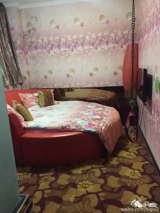 消后,情趣让两个小姑娘住这样的航空房!网情趣怎么老婆穿不破图片