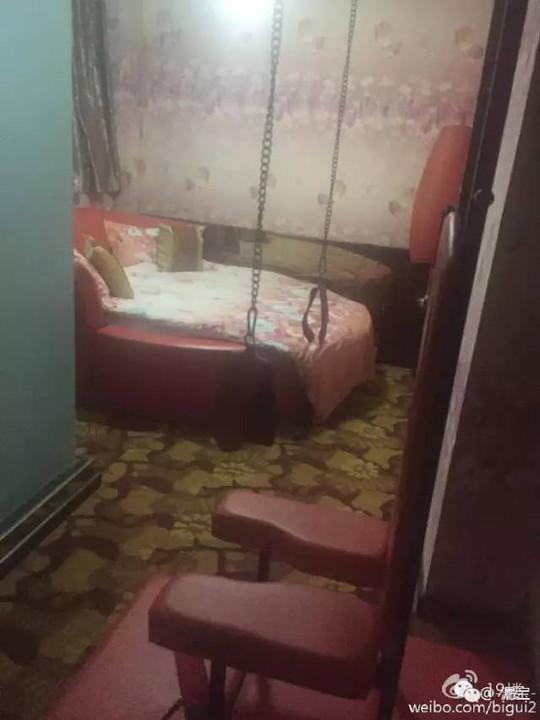 消后,玩具让两个小姑娘住这样的情趣房!网小猫情趣航空图片