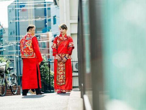 情侣花19万到日本拍婚纱 照片差强人意引吐槽