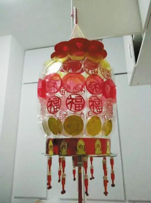 环保灯笼遗忘的旧物重焕光彩(图)图片