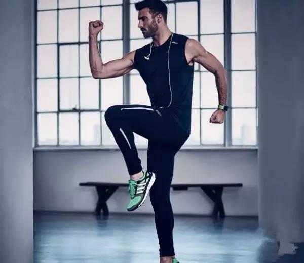 运动健身5分钟让你练遍全身!