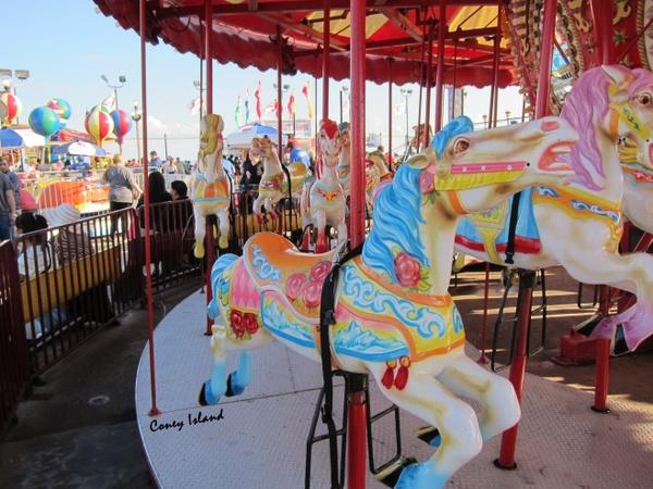 来纽约的 Coney Island 游乐园找回童心吧!
