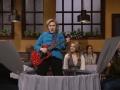 《周六夜现场第41季片花》第十三期 希拉里杰克·布什模仿秀 斜跨贝斯餐桌旁献唱