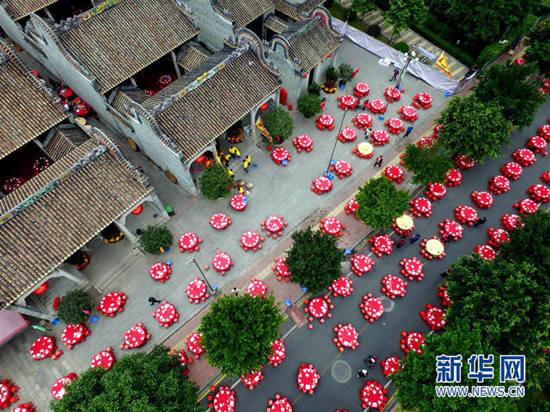 """广州""""土豪村""""两大家族宴席300桌(图)"""