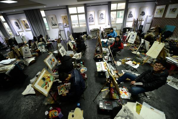 2015年11月30日,山东济南,美术高考生们现已在备战艺考的末了冲刺。 视觉国家 材料