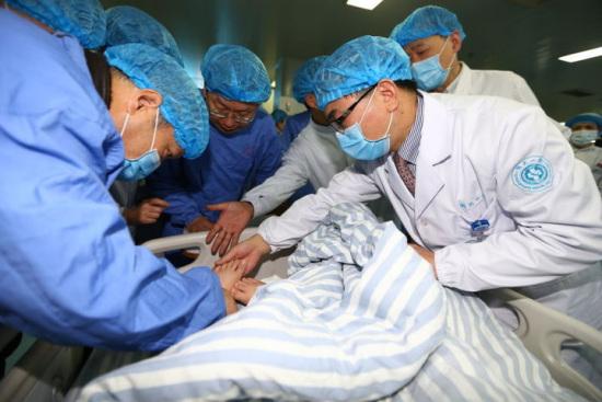 浙江3失联孩子一人有冻伤 专家初诊不必截肢