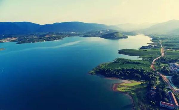 旅游 正文  湖州太湖国家旅游度假区 联合《江南游报》,华东旅游媒体