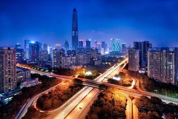 深圳夜景_说到深圳,你想到的是.
