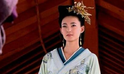 直到2010年凭借古装剧《美人心计》获得关注,王丽坤在剧中饰演和女