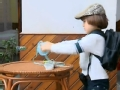 """《闪亮的爸爸第一季片花》第十二期 莱昂拿糖果""""诱惑""""艺博 与一冰玩防守游戏"""