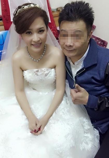 洪百慧前年才结婚