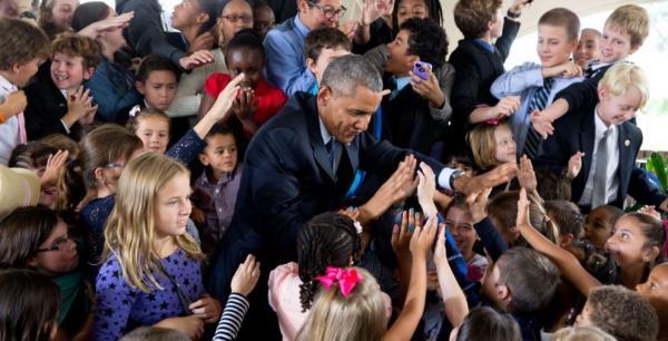 2009年,奥巴马在出访捷克时,在布拉格遇到了一名小粉丝。