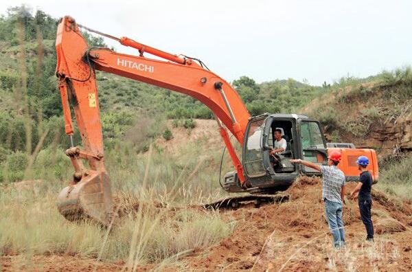 挖机手眼中的高速公路,所有工程机械人应含泪转载